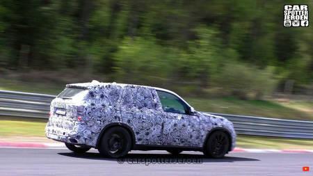 BMW X7 Rohelises Põrgus