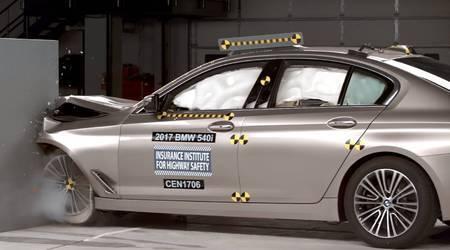 2017 BMW 5 series crash test