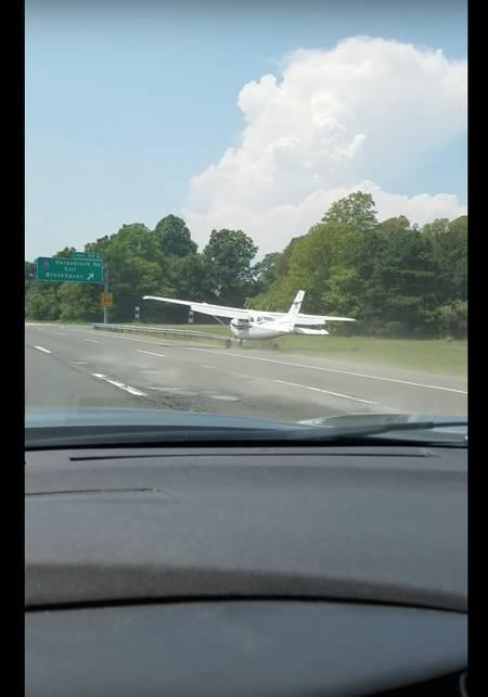 Kiirteele laskunud Cessna