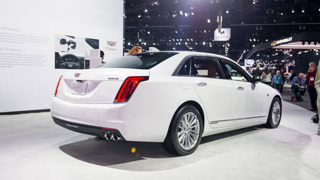 Cadillac CT6 2017 pistikhübriid