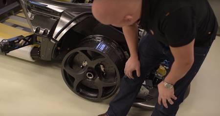 Koenigsegg Regera süsinikkiust velg