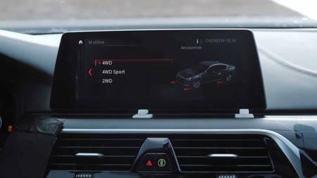 BMW M5 xDrive nelikvedu