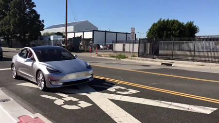 Tesla Model 3 prototüüp
